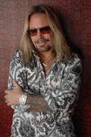 Vince Neil picture G543856