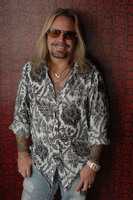 Vince Neil picture G543858