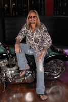 Vince Neil picture G543859