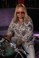 Vince Neil picture G543865