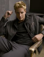 Justin Hartley picture G553841