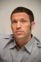Travis Knight picture G559842