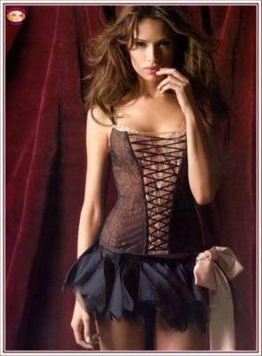 Almudena Fernandez poster G56063
