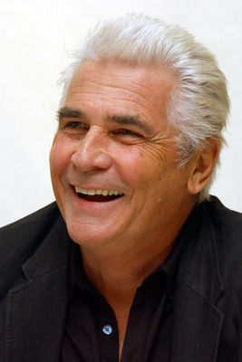 James Brolin poster G561806