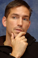 James Caviezel picture G562571