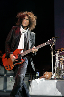 Joe Perry picture G532806