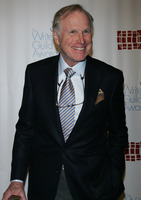 Wayne Rogers picture G564198