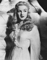 Joan Sims picture G564776