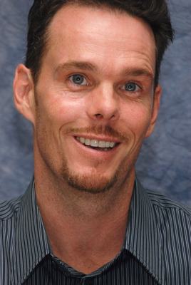 Kevin Dillon poster G569406