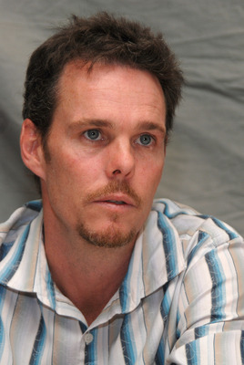 Kevin Dillon poster G569409