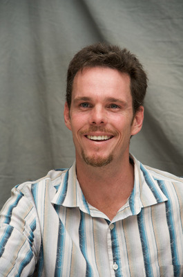 Kevin Dillon poster G569411