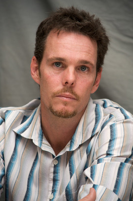 Kevin Dillon poster G569416