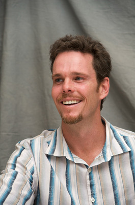 Kevin Dillon poster G569424
