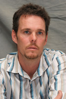 Kevin Dillon picture G569425