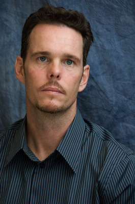 Kevin Dillon poster G569427