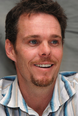 Kevin Dillon poster G569428