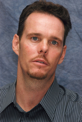 Kevin Dillon poster G569429