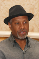 James Pickens Jr picture G569447
