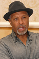 James Pickens Jr picture G569448