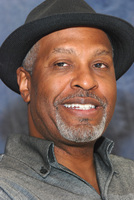 James Pickens Jr picture G569449