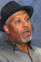 James Pickens Jr picture G569450