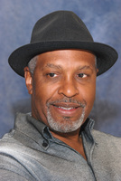 James Pickens Jr picture G569451