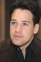 T.R. Knight picture G572866