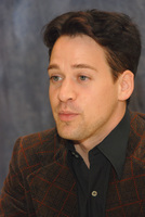 T.R. Knight picture G572868
