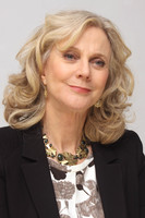 Blythe Danner picture G576446