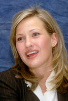 Joey Lauren Adams picture G578599