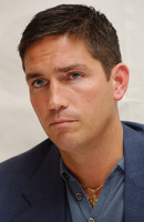 James Caviezel picture G579321