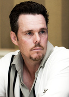 Kevin Dillon picture G569421