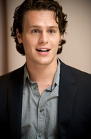 Jonathan Groff picture G581309