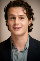 Jonathan Groff picture G581310
