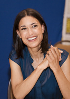 Julia Jones picture G584617