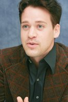 T.R. Knight picture G593407