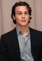 Jonathan Groff picture G596420