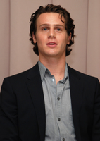 Jonathan Groff picture G596425