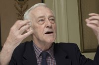 John Mahoney picture G598568