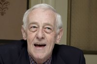 John Mahoney picture G598573