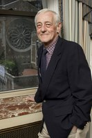 John Mahoney picture G598576