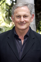 Victor Garber picture G605082