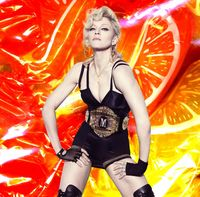 Madonna picture G211010
