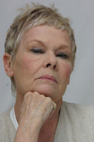 Judy Dench picture G613666