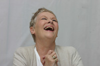 Judy Dench picture G613671