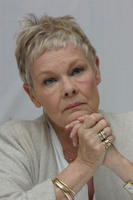 Judy Dench picture G613675