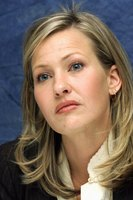 Joey Lauren Adams picture G614803