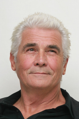 James Brolin poster G615461