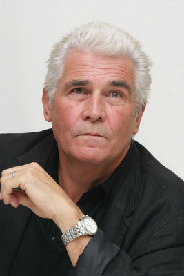 James Brolin poster G615467