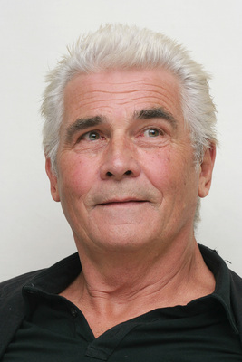 James Brolin poster G615471
